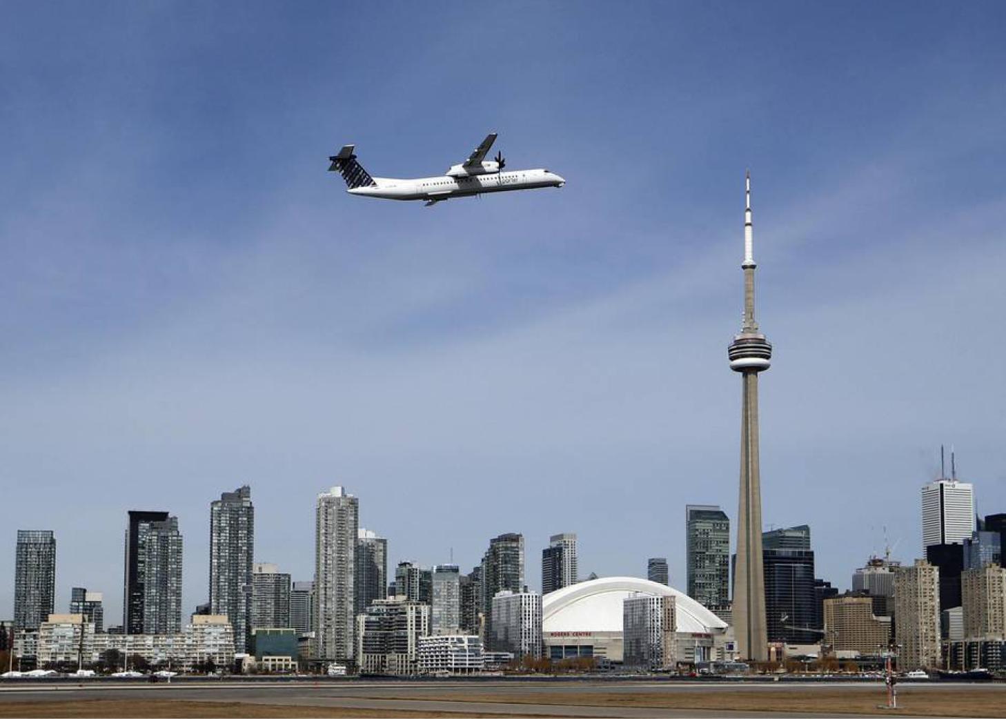 Americas-Canada-Billy-Bishop-Toronto-City-Airport-01