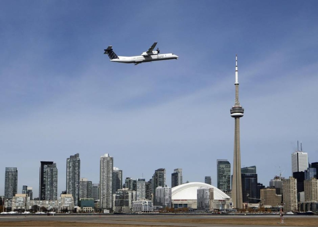 Americas-Canada-Billy-Bishop-Toronto-City-Airport-01